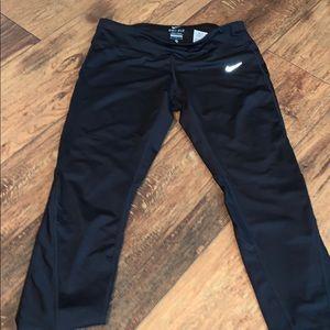 Capri Nike Dry-Fit Leggings